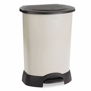 Rubbermaid Step-On 30 Gallon Trash Can, Platinum (RCP 6147 LPL)